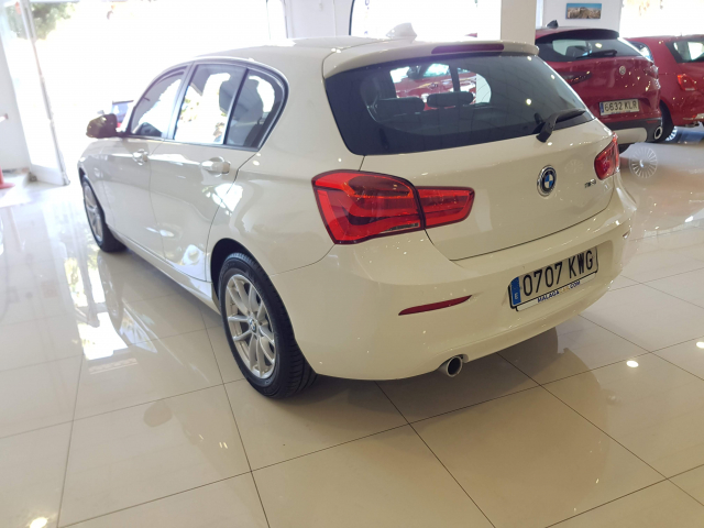 BMW SERIE 1  116i 5p. for sale in Malaga - Image 3