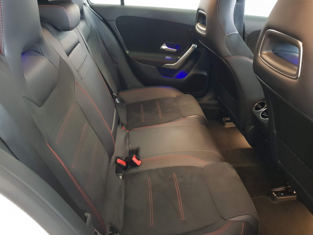 MERCEDES BENZ CLASE  A A 200 CDI AMG 5p. for sale in Malaga - Image 5