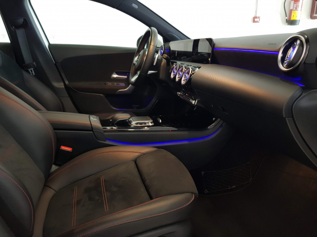 MERCEDES BENZ CLASE  A A 200 CDI AMG 5p. for sale in Malaga - Image 6