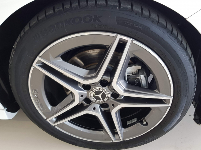 MERCEDES BENZ CLASE  A A 200 CDI AMG 5p. for sale in Malaga - Image 13
