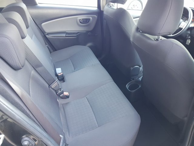 TOYOTA YARIS  1.0 70 City 5p. for sale in Malaga - Image 6