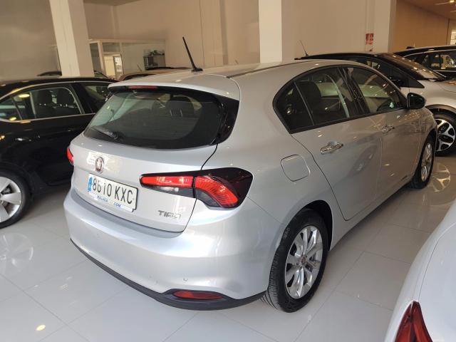 FIAT TIPO  1.4 16v Lounge 95 CV gasolina 5p. 5p. for sale in Malaga - Image 4