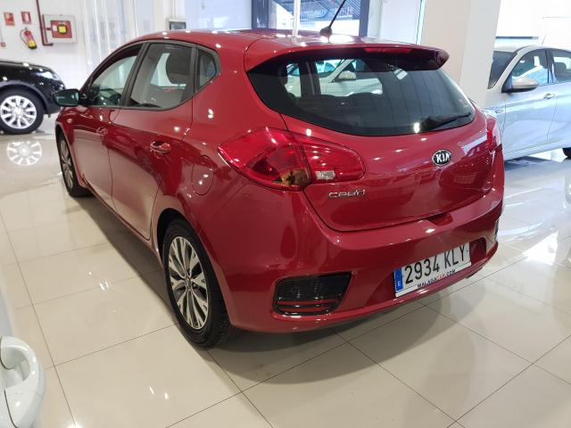 KIA CEED  1.4 CVVT 100cv Drive 5p. de ocasión en Málaga - Foto 3