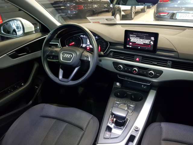 AUDI A4  2.0 TDI 150CV Advanced edition 4p. for sale in Malaga - Image 7