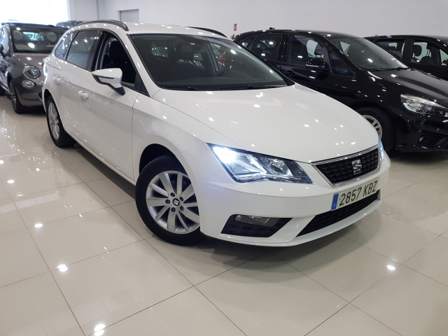 SEAT LEON León ST 1.2 TSI 81kW StSp Reference Plus 5p. for sale in Malaga - Image 1
