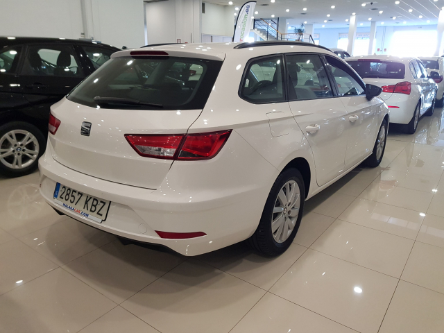 SEAT LEON León ST 1.2 TSI 81kW StSp Reference Plus 5p. for sale in Malaga - Image 4