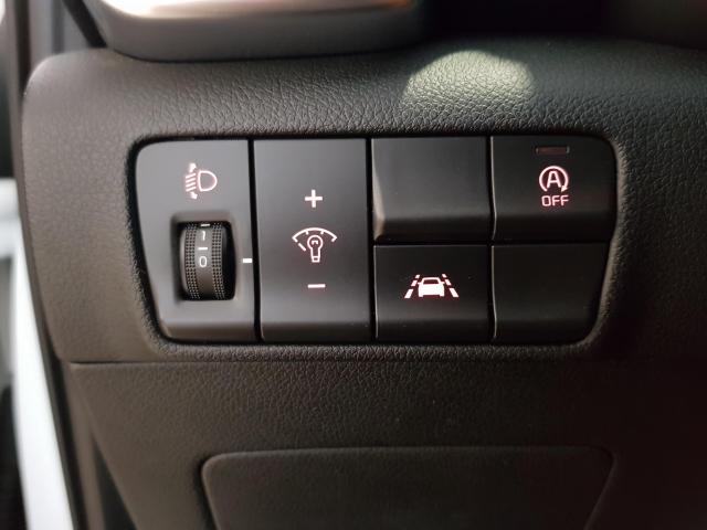 KIA SPORTAGE 1.6 CRDI VGT 115CV Drive 4x2 5p. for sale in Malaga - Image 11