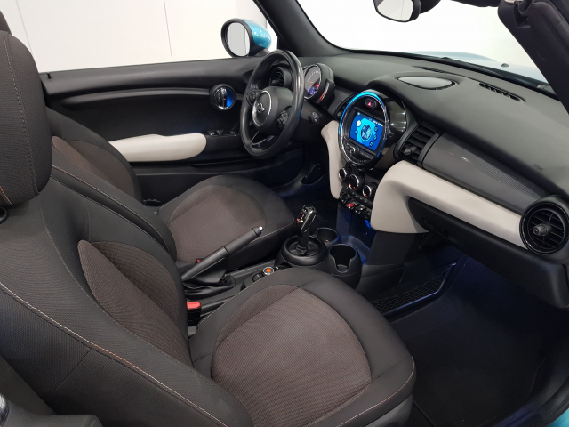 MINI   Cooper Cabrio 2p. for sale in Malaga - Image 8