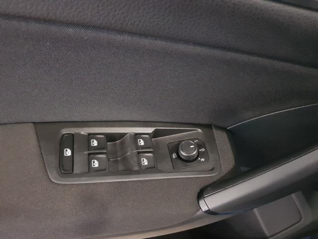 VOLKSWAGEN TOURAN  Edition 1.6 TDI CR 115CV BMT 5p. de ocasión en Málaga - Foto 10