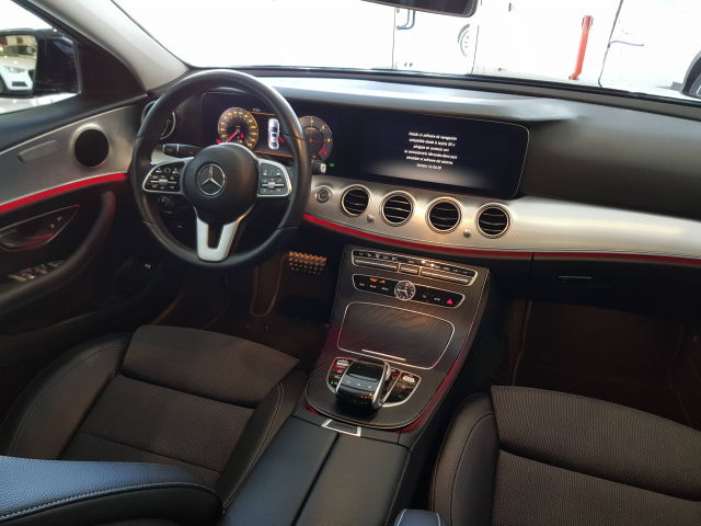 MERCEDES BENZ CLASE E E 220 d for sale in Malaga - Image 7