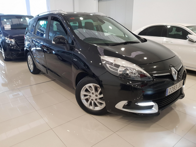 RENAULT GRAND  Scénic Limited  dCi 110 eco2 5p 5p. for sale in Malaga - Image 1