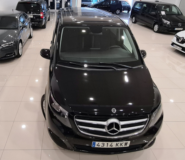 MERCEDES BENZ CLASE V 220d Largo for sale in Malaga - Image 5