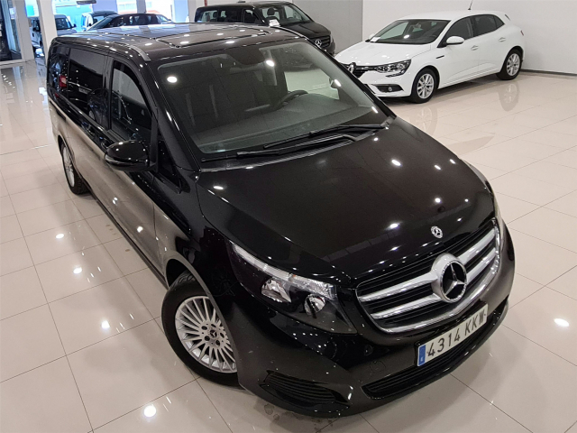 MERCEDES BENZ CLASE V 220d Largo for sale in Malaga - Image 6
