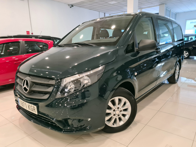 MERCEDES BENZ VITO  111 BT Tourer Select larga 4p. for sale in Malaga - Image 1