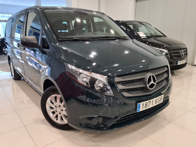 MERCEDES BENZ VITO  111 BT Tourer Select larga 4p. for sale in Malaga - Image 3