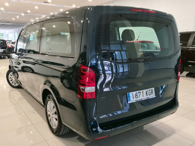 MERCEDES BENZ VITO  111 BT Tourer Select larga 4p. for sale in Malaga - Image 4