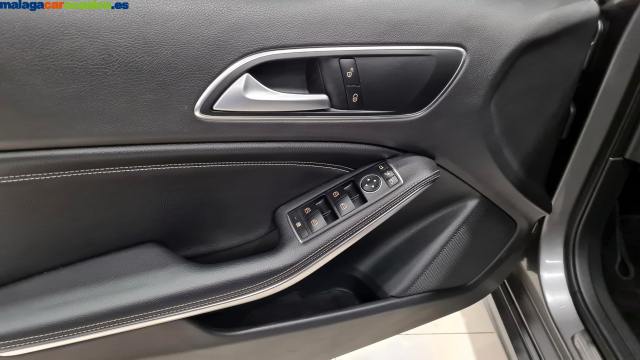 MERCEDES BENZ CLASE A  A 200 CDI BlueEFFICIENCY Urban 5p. for sale in Malaga - Image 6