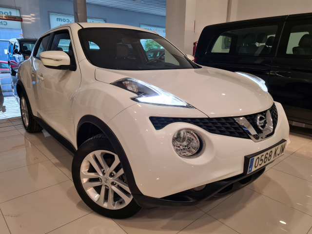 NISSAN JUKE  1.2 DIGT NCONNECTA 4X2 5p. for sale in Malaga - Image 2