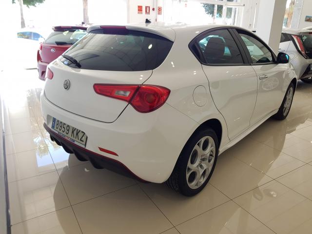 ALFA ROMEO GIULIETTA 1.4 TB 88kW 120CV  Sport 5p. for sale in Malaga - Image 3