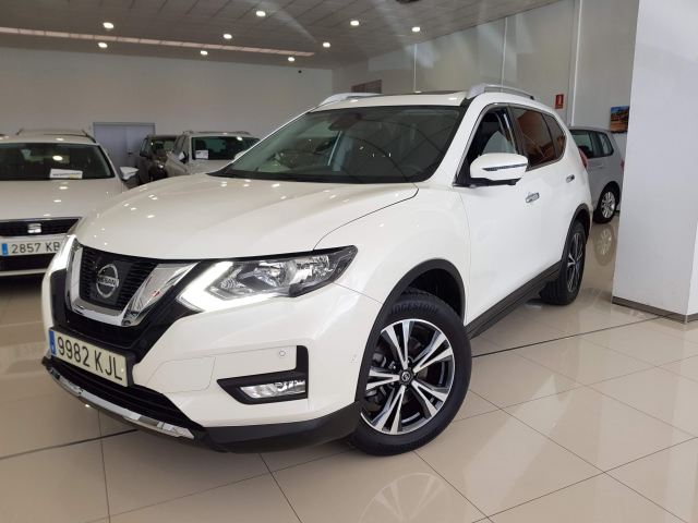NISSAN XTRAIL X-TRAIL 1.6 dCi NCONNECTA 5p. for sale in Malaga - Image 2
