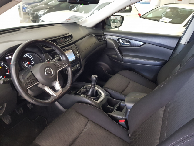 NISSAN XTRAIL X-TRAIL 1.6 dCi NCONNECTA 5p. for sale in Malaga - Image 10