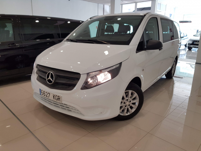 MERCEDES BENZ VITO  111 BT Tourer Sel. for sale in Malaga - Image 2