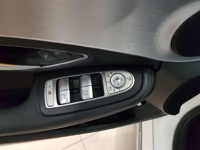 MERCEDES BENZ Clase C C 220 CDI for sale in Malaga - Image 11