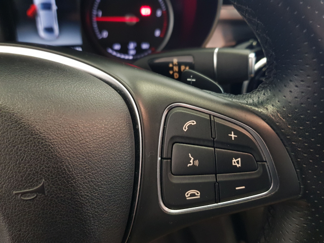 MERCEDES BENZ Clase C C 220 CDI for sale in Malaga - Image 14