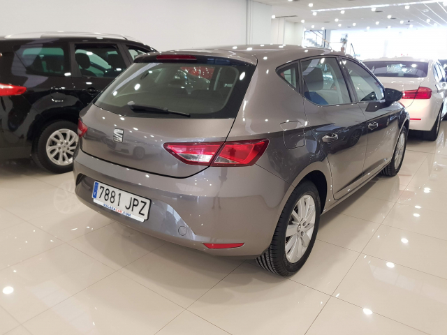 SEAT LEON León 1.2 TSI 110cv StSp Reference 5p. for sale in Malaga - Image 4