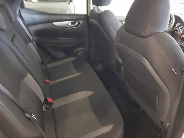 NISSAN QASHQAI  dCi 81 kW 110 CV NCONNECTA 5p. for sale in Malaga - Image 6
