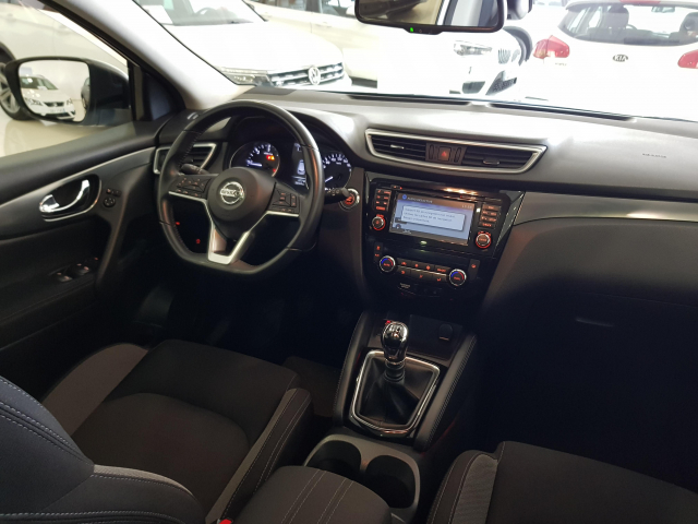 NISSAN QASHQAI  dCi 81 kW 110 CV NCONNECTA 5p. for sale in Malaga - Image 7