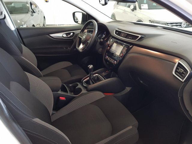 NISSAN QASHQAI  dCi 81 kW 110 CV NCONNECTA 5p. for sale in Malaga - Image 8