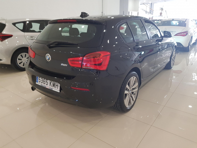 BMW SERIE 1  118i 5p. for sale in Malaga - Image 4
