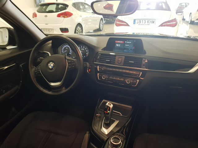 BMW SERIE 1  118i 5p. for sale in Malaga - Image 7