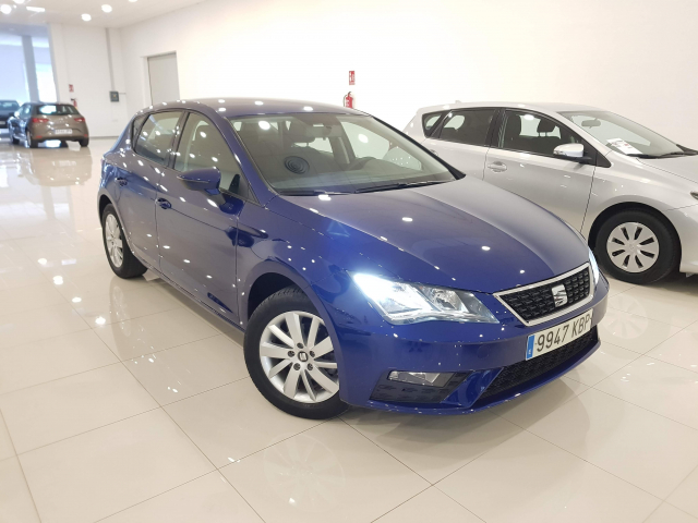 SEAT LEON León 1.2 TSI 81kW 110CV StSp Reference 5p. for sale in Malaga - Image 1
