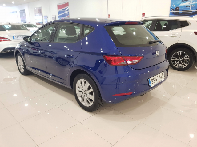 SEAT LEON León 1.2 TSI 81kW 110CV StSp Reference 5p. for sale in Malaga - Image 3