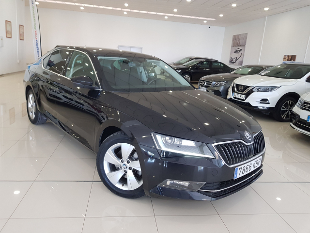 SKODA SUPERB  2.0 TDI 150cv Ambition 5p. used car in Malaga