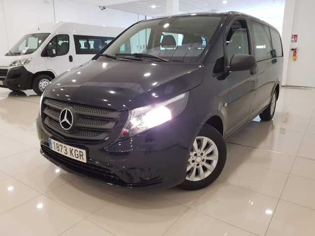 MERCEDES BENZ VITO  114 BT Tourer Select Larga 4p. for sale in Malaga - Image 2