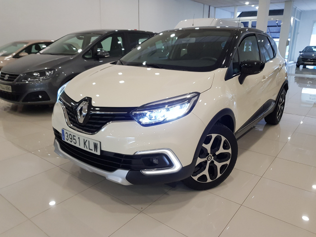 RENAULT CAPTUR  Zen Energy TCe 90 eco2 Euro 6 5p. for sale in Malaga - Image 2