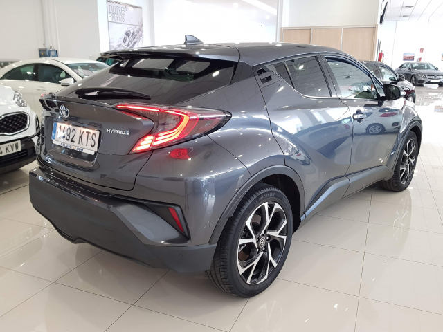 TOYOTA CHR C-HR 1.8 125H Advance plus 5p. for sale in Malaga - Image 4
