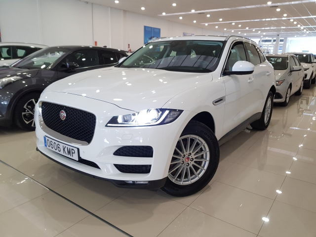 JAGUAR  F-PACE PRESTIGE AUTO for sale in Malaga - Image 2