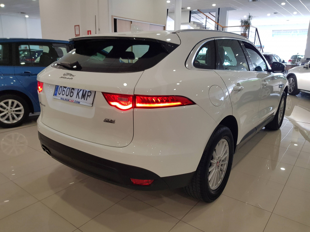 JAGUAR  F-PACE PRESTIGE AUTO for sale in Malaga - Image 4