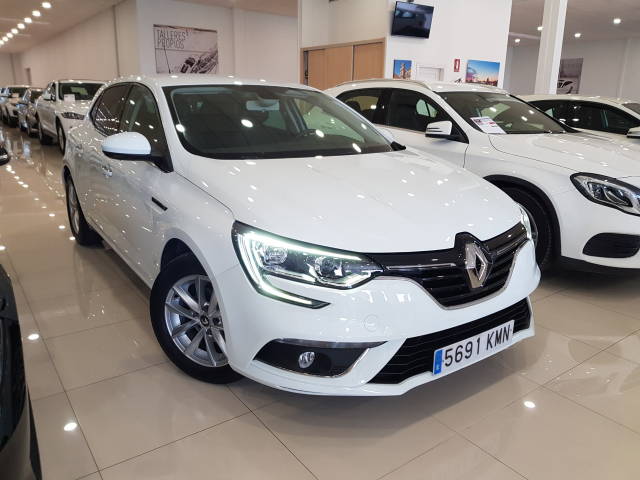 RENAULT MEGANE Mégane TECH ROAD Energy TCe 74kW 100CV 5p. for sale in Malaga - Image 1