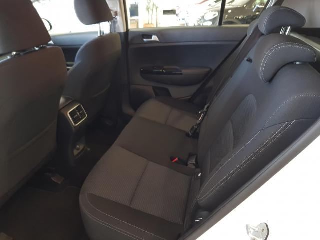 KIA Sportage 1.6 CRDI 115CV Drive 4x2 5p. for sale in Malaga - Image 5