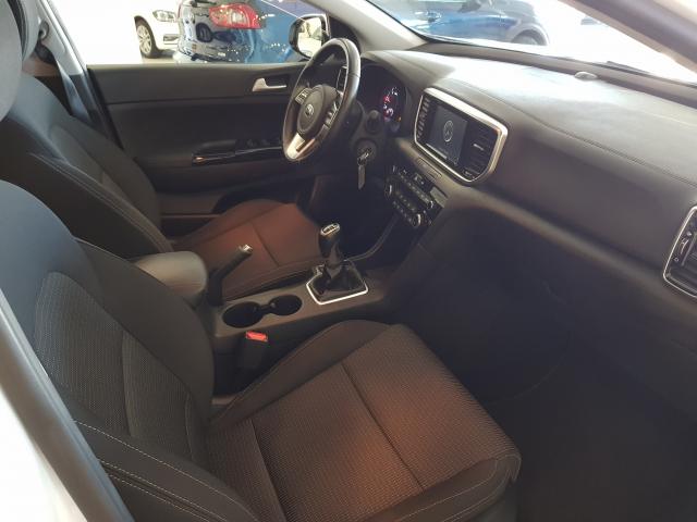 KIA Sportage 1.6 CRDI 115CV Drive 4x2 5p. for sale in Malaga - Image 8