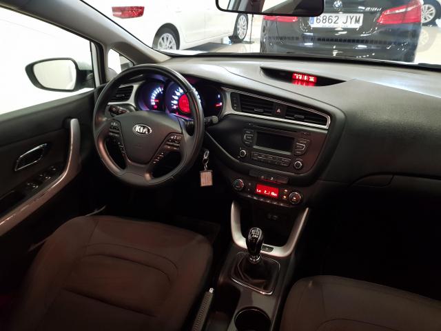 KIA CEED  1.4 CVVT 100cv Drive 5p. de ocasión en Málaga - Foto 7