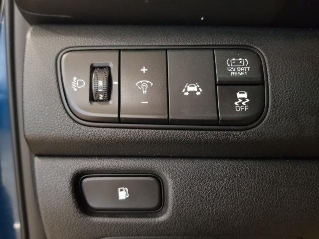 KIA NIRO PHEV 1.6 GDi PHEV 104kW 141CV Drive for sale in Malaga - Image 11