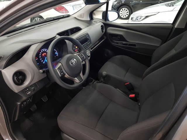 TOYOTA YARIS  70 CITY 5p. for sale in Malaga - Image 9