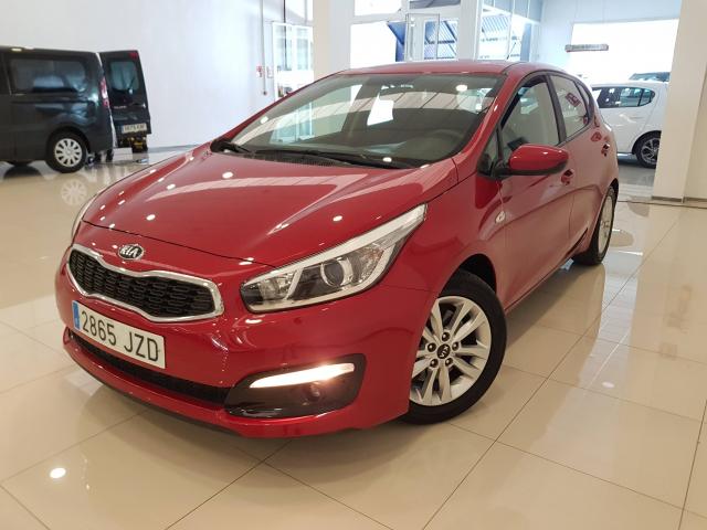 KIA CEED  1.4 CVVT 100cv Drive 5p. for sale in Malaga - Image 2