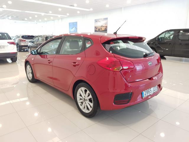 KIA CEED  1.4 CVVT 100cv Drive 5p. for sale in Malaga - Image 3
